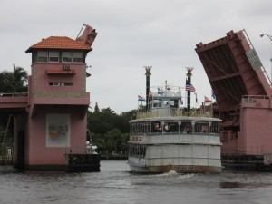 The Jungle Queen heads eastward through the 3rd Ave bridge towards the ICW.