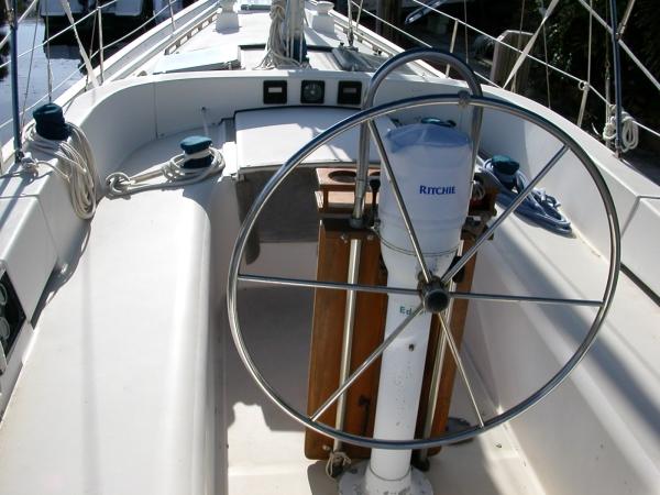 Pearson 422 Cockpit