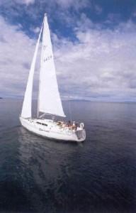 Farr 1220 Under Sail