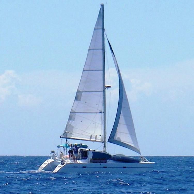 37 Lagoon sailing crop